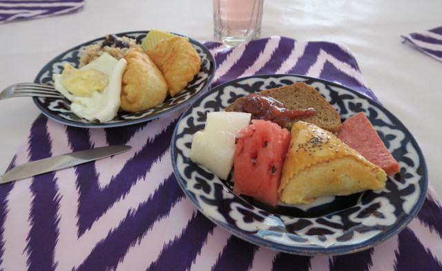 180825khiva-breakfast2.jpg