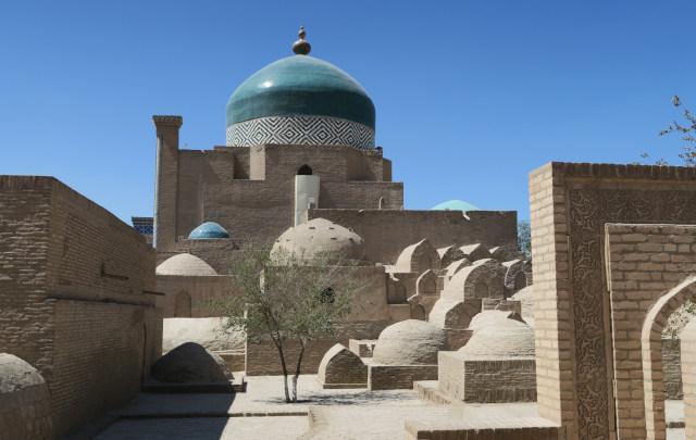180825khiva-tomb.jpg